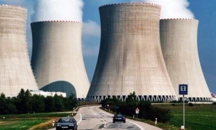 Macron: 14 reattori nucleari chiuderanno entro il 2035