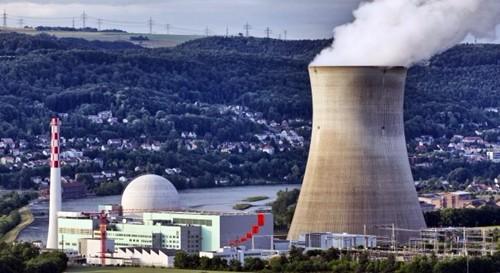 Chiusura centrali nucleari, gli svizzeri alle urne. Il governo teme anche rischio black out