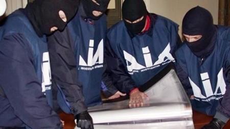 Uccisi e fatti a pezzi per gestione traffico sigarette di contrabbando, 2 arresti nel Napoletano