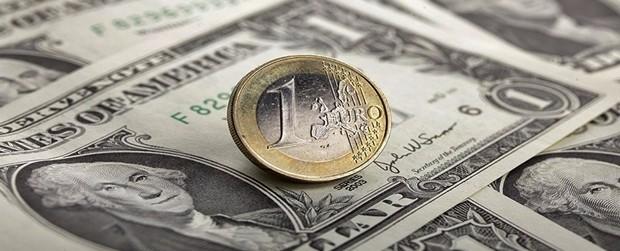 """L'Euro sempre più giù, raggiungerà imminente parità con dollaro? Spettro """"Trumpflation"""""""