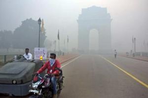 Nuova Delhi, 900 mila studenti elementari a casa per smog. Chiuse 1800 scuole