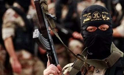 Trump avverte Ue: riprendetevi 800 jihadisti o li liberiamo. L'Italia chiude le porte
