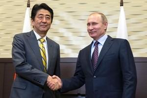 Putin domani in Giappone, difficile accordo su disputa isole. Con Abe, il capo del Cremlino punta al business