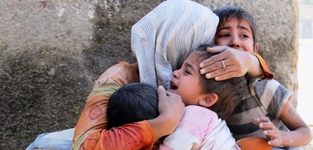 """#Aleppoday, 4 mila bambini al gelo e senza cibo. Unicef: """"Aiuto o rischiano la morte"""""""
