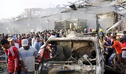 Duplice attacco bomba a mercato Baghdad, almeno 18 morti. L'Isis rivendica attentato