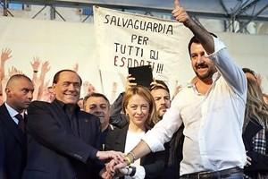 Cinquestelle, Lega e Fratelli d'Italia chiedono il voto. Forza Italia vuole tavolo legge elettorale