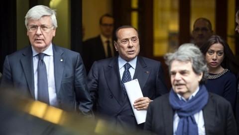 Liste e programma, Berlusconi a lavoro. Pressing per un posto al sole. Anche Fi verso scissione