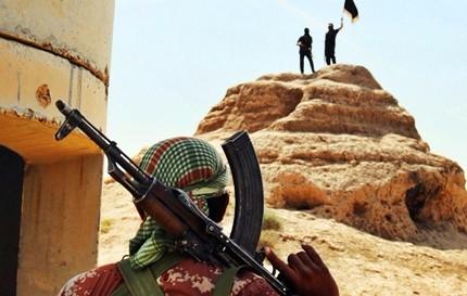 """Schiaffo Isis ai russi, jihadisti riprendono il controllo di Palmira. Militari siriani in """"difesa"""""""