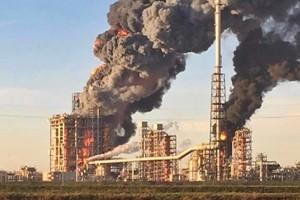 Esplode raffineria nel Pavese, nessun ferito ma è allarme per l'ambiente. Il sindaco: state a casa
