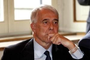 Sinistra riparte con nuovo congresso, alternativi a Pd. E sul nome del leader spunta De Magistris