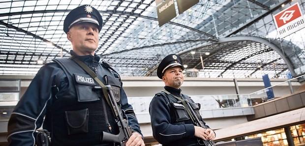 L'inchiesta procede, fermato in Germania un fiancheggiatore di Amri. L'uomo vive nella capitale