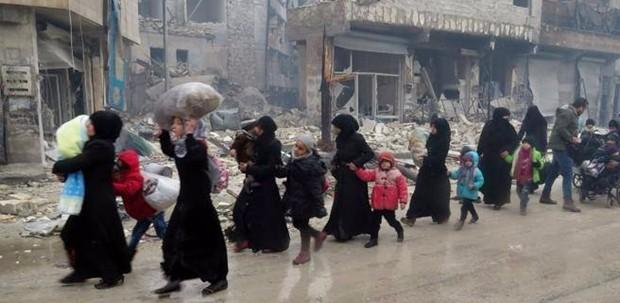 Idlib, l'ultima frontiera dei ribelli. Mosca: si è conclusa evacuazione famiglie da Aleppo