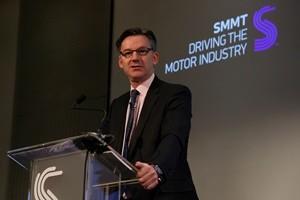 Brexit mette ansia a costruttori e commercianti d'auto britannici