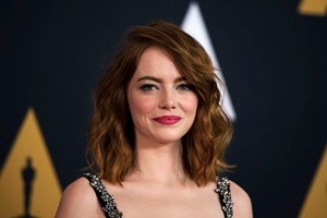 Actress Emma Stone attends the 8th Annual Governors Awards hosted by the Academy of Motion Picture Arts and Sciences on November 12, 2016, at the Hollywood & Highland Center in Hollywood, California.  The Academy's Board of Governors is presenting Honorary Oscar Awards to actor Jackie Chan, film editor Anne Coates, casting director Lynn Stalmaster and documentary filmaker Frederick Wiseman. / AFP / Valerie Macon        (Photo credit should read VALERIE MACON/AFP/Getty Images)