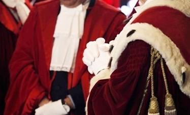 Consulta, la Lombardia ha limitato la libertà di culto. Furia della Lega