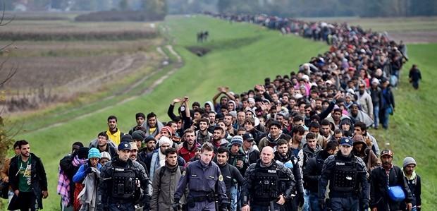 L'Ue si sveglia: sostenere guardacoste per ridurre flussi migranti. Ma ora servono fatti