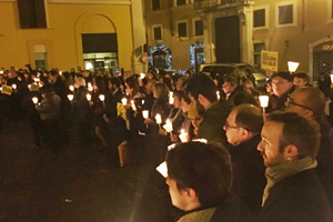 """I Regeni sempre in prima linea: """"L'ambasciatore italiano non deve tornare al Cairo"""". In piazza per Giulio"""