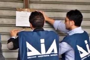 Direzione investigativa antimafia, sequestrati oltre 30 milioni di euro a cinque famiglie sinti