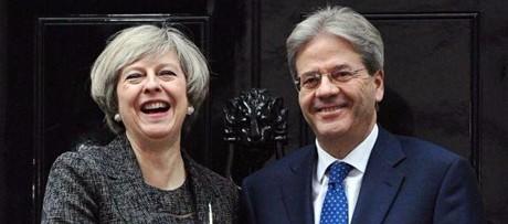 Gentiloni a Londra rassicura italiani: tristezza per Brexit, va trasformata in ottimismo