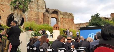 """G7, sindaco Taormina: """"Cantieri tutti fermi"""", palazzo congressi non a norma. Figuraccia Italia"""