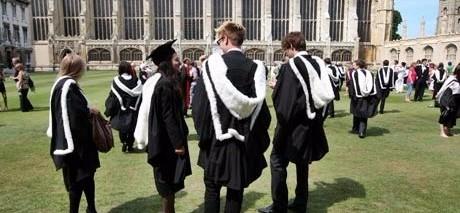 Oxford aprirà un college a Parigi contro la Brexit, così potrà usufruire dei fondi Ue