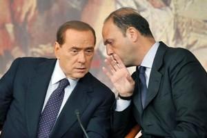 Forza Italia corteggia senatori Udc. Ultima fissa di Berlusconi, riunire il centro. E guarda a Alfano