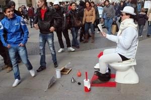 Milano, la città degli artisti di strada. Altre nuove postazioni per esibizioni