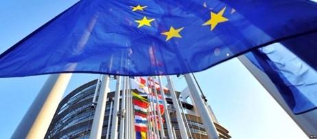 Posto d'onore per l'Italia al vertice Ue a Malta. Immigrati e Brexit, i grandi temi. Assente May