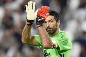 Juve, Buffon e Chiellini prolungano fino al 2021