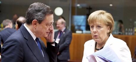 Oggi a Berlino Draghi-Merkel, attacchi all'euro e l'Europa a 2 velocità in primo piano