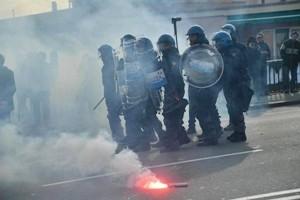 Coronavirus, bombe carta a Palermo. Ferito operatore Mediaset
