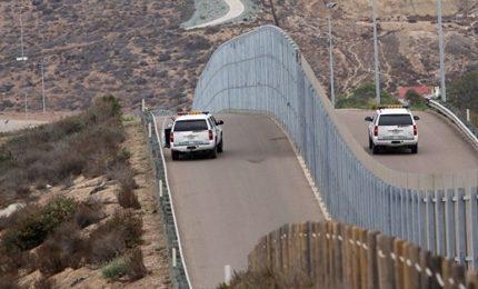 Casa Bianca sempre nel caos, capo gabinetto contraddice Trump su Muro confine Messico