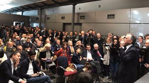 Nasce il movimento degli ex pd primo nodo rapporto col for Gruppi parlamentari
