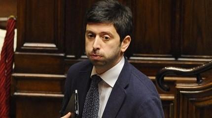Speranza a Renzi: tradimento? Guardati allo specchio