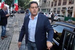 A Genova giunta in alto mare, ma il sindaco non si dimette. Si tratta per evitare stangata Tari