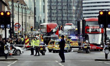 Isis attacca Londra: 4 morti e 20 feriti