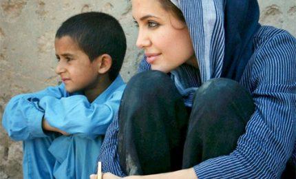 Angelina Jolie rinnova contratto come Inviata Speciale dell`Unhcr