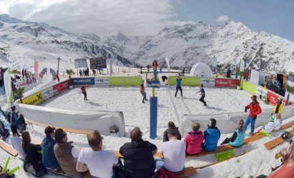 Dalla sabbia alla neve, in Italia arriva lo snow volley