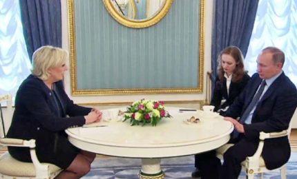 Leader Fn Le Pen a Mosca: Putin è nuovo mondo