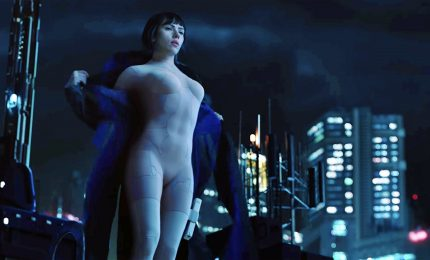 "Scarlett Johansson cyborg nel film ""Ghost in the Shell"""