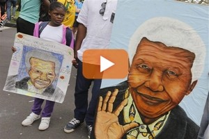 A Johannesburg i disegni di Mandela decorati da Esther Mahlangu