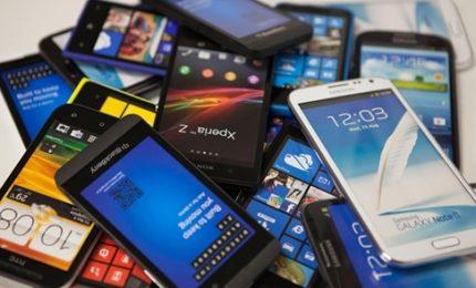 La nuova vita degli smartphone: il grande mercato dei rigenerati