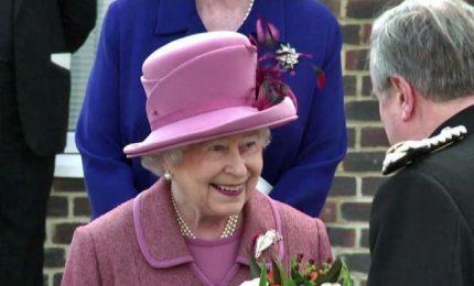 Elisabetta II spegne 91 candeline, è la regina dei record