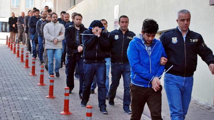 Turchia: maxi-blitz contro rete di Gulen, oltre mille arresti