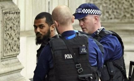 Londra, il volto del sospettato di attacco terroristico