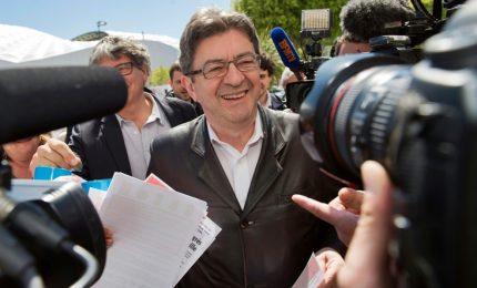 """Francia, con l'ascesa di Melenchon torna la paura dei """"comunisti"""". Frena l'ipotesi """"nera"""""""