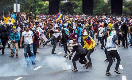 Venezuela, ancora scontri fra polizia e manifestanti