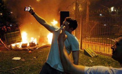 Paraguay, manifestanti in Parlamento: un morto