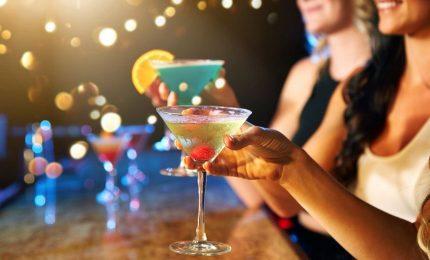 Aumentano consumi alcol giovani e donne