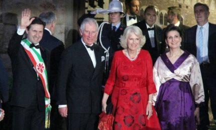 Carlo a Firenze, Andrea Bocelli canta per il principe e Camilla